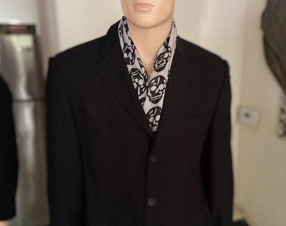 Fantastic 90s Versace 3 Button Classic Black Blazer Size 42R