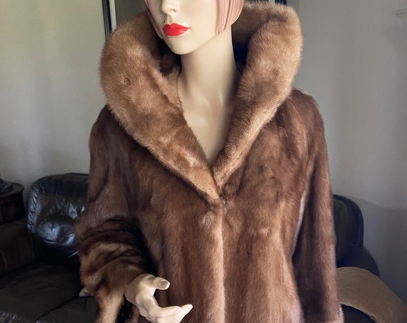 Vintage Early 1960s Mid Century Whiskey Colored Mink Driving Coat from Robert Schechner