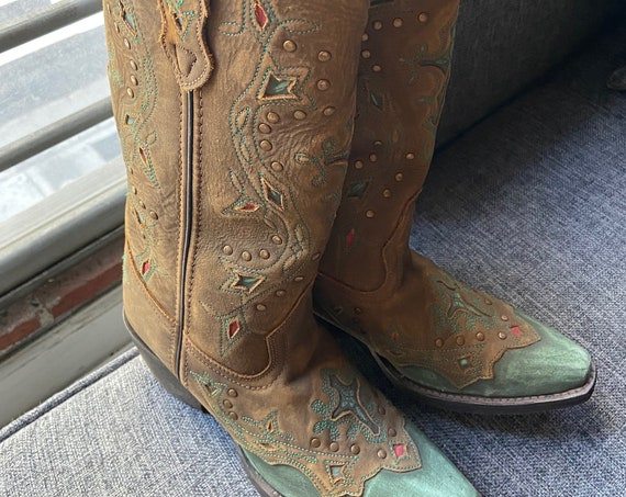 Fabulous Tooled Leather Women's Laredo Cowboy Boots with Cut Crosses Size 6