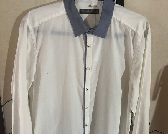 Men's White Dress Shirt with Blue Collar and Accents from Angelo Litrico Size Medium 39/40
