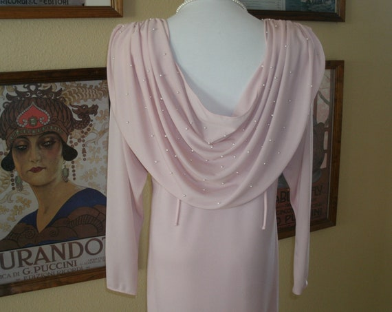 Pretty in Pink.Lovely 80s dress with Grecian top.Faux Pearl accents,Size Medium.