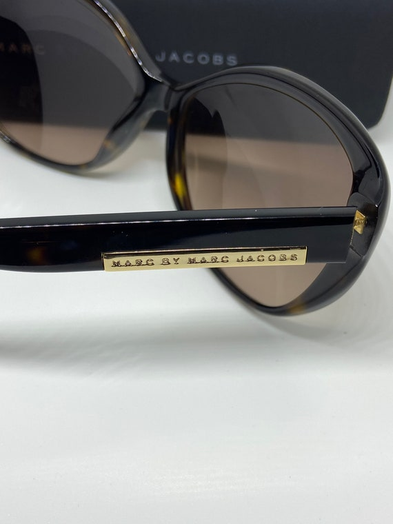 Cute Marc by Marc Jacobs Sunglasses with Marc Jac… - image 5