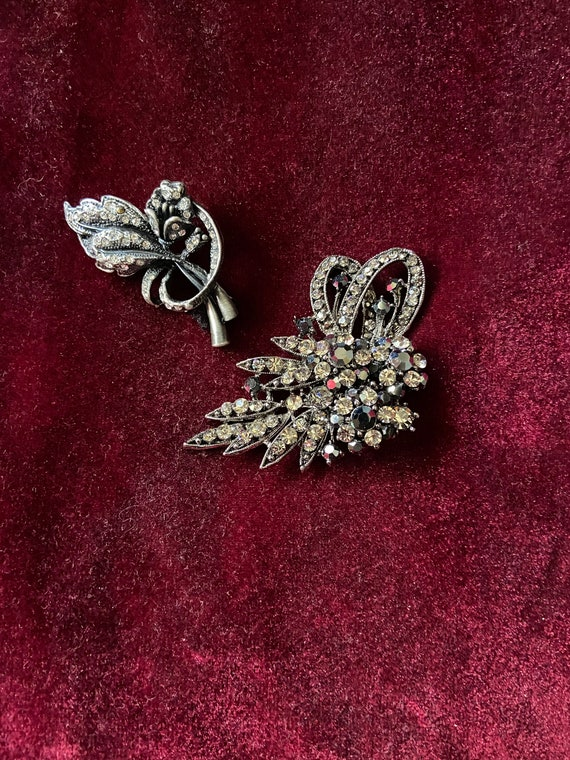 Lovely Vintage 1980s Brooch Set of Two