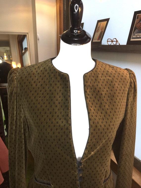 Vintage Late 1970s/Early 1980s Velvet Sasson Dark Olive Blazer Jacket