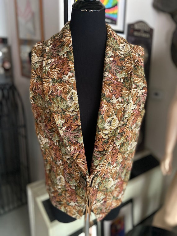 Vintage 1980s Floral Tapestry Collared Vest from Kactus