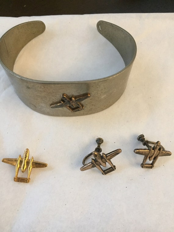Vintage 1940s WWII Homefront Gal WWII Bracelet, Earrings, and Pin Set.