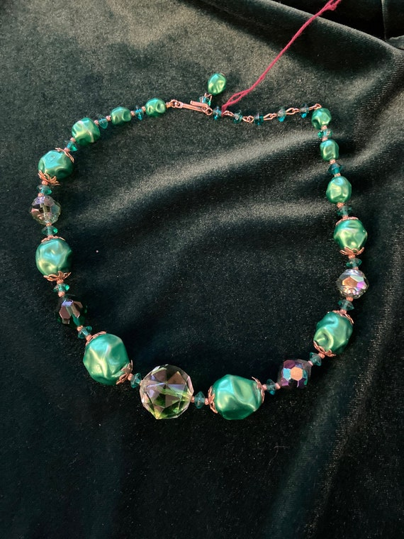 Gorgeous Midcentury Green Glass Bead Necklace