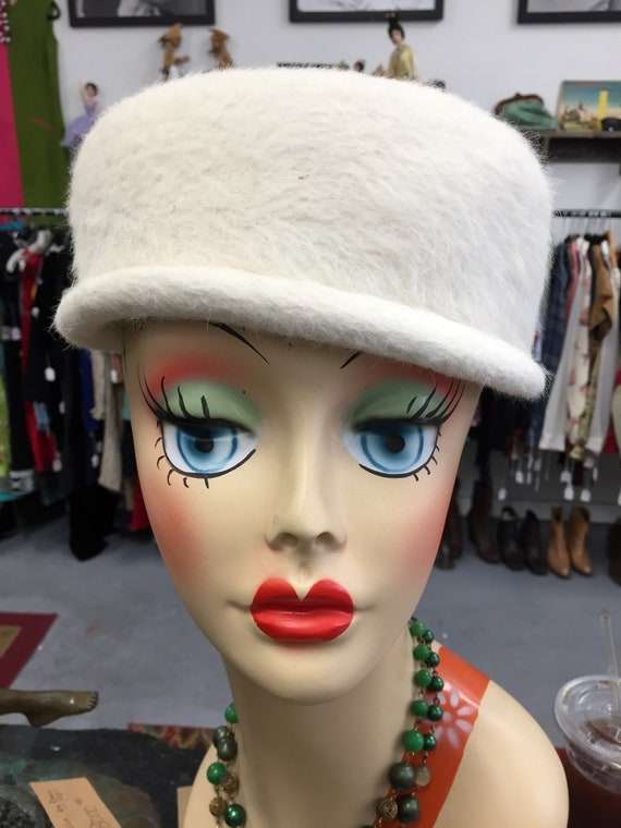 Gorgeous 1960s Cream Colored Felt Pillbox Hat from Sunni of California