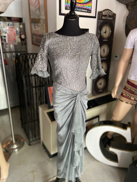 Beautiful Late 90s/ Y2K Gray Tadashi Grey Silver T