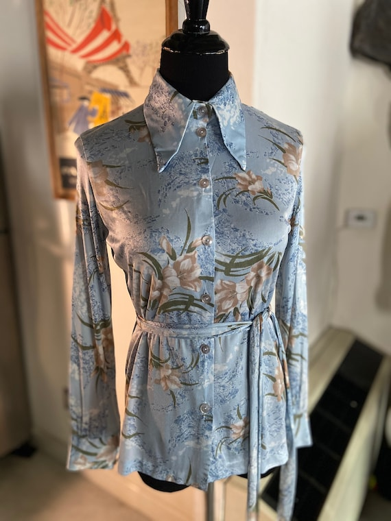 Cute Vintage 1970s Disco Polyester Belted Blouse with Flower Motif Sz Small