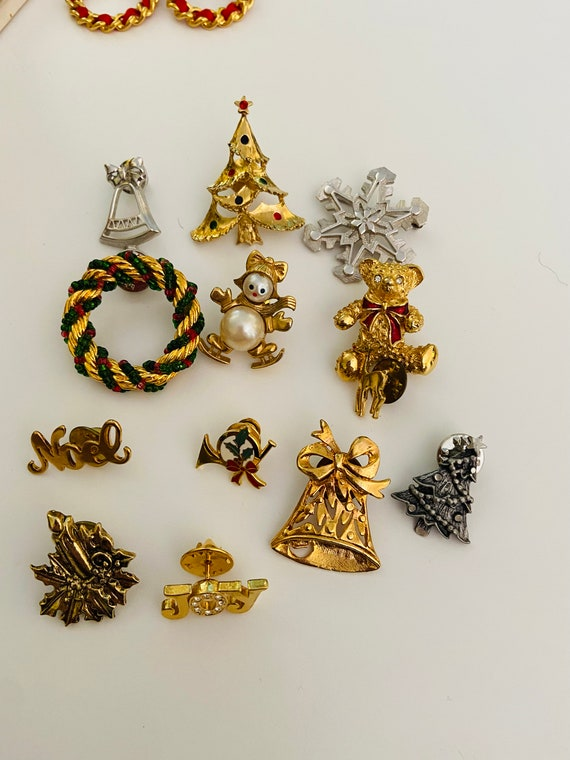 Huge Lot of 13 Christmas Pins and Set of Wreath Earrings