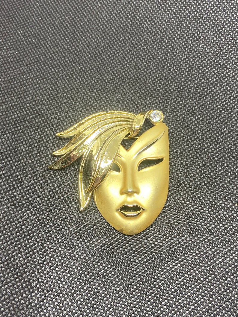 Fabulous 1980s Gold-Toned Female Head Brooch with Diamante Accent