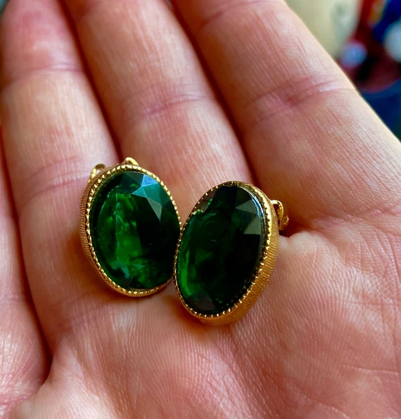 Vintage 1960s Faux Emerald and Diamante Clip on Earrings