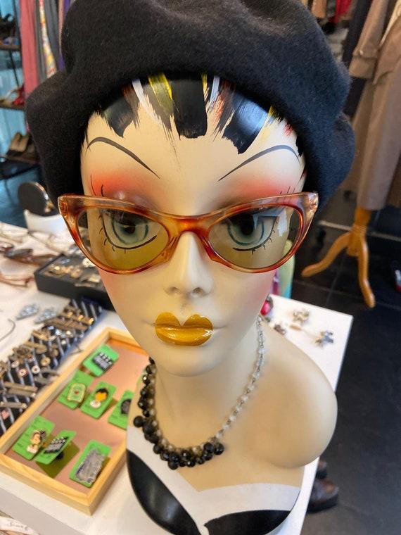 Adorable Vintage 1970s Deadstock Italian Cat Eye Sunglasses