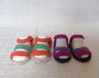 Baby sandal-style baby slippers, size 0 to 3 moias, hand-knitted baby slippers