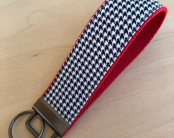 Black and white mini houndstooth fabric key fob on Crimson red webbing, gift for Alabama fan, Roll Tide, school spirit accessory, keychain