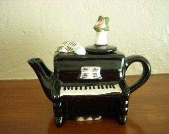 Vintage Piano Creamer, Decorative with Lid, Black