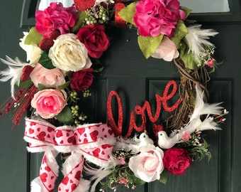 Handmade Wreaths   Valentine's Day Wreath   Spring Wreath   Wreath with Bow   Floral Wreath   Floral Home Decor   Love Wreath   Roses Wreath