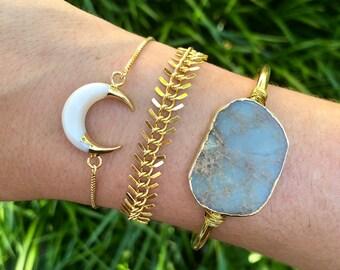 White Boho Carved Shell Crescent Moon Bracelet