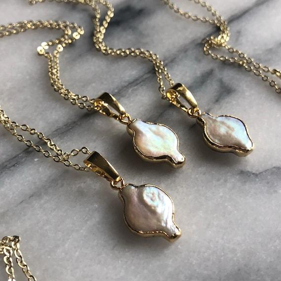 Minimalist 18K Gold Dainty Freshwater Pearl Necklace