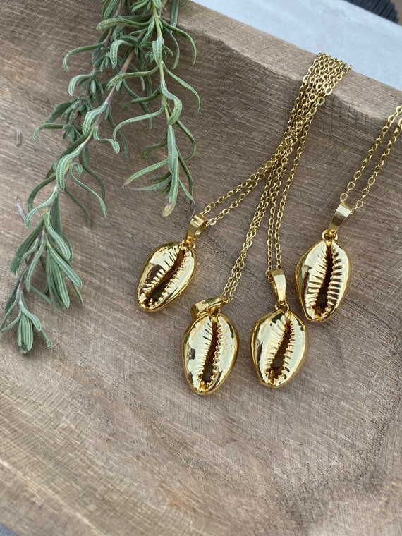 Cowrie Shell Necklace/ 14K Gold Necklace/ Boho Cowry Shell/ Cowrie Shell Pendant/ Cowrie Shell Jewelry/ Boho Shell Necklace/ Cowry Shell