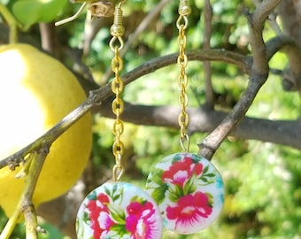 Pretty in Pink! Rose/Flower Print Beaded Dangle and Drop Earrings with Gold Tone Chain! Perfect for Dressing Up or Down - Edgy and Glam!