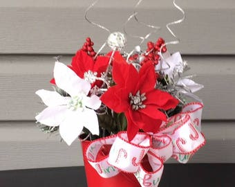 christmas flower arrangement small flower arrangement winter floral arrangement xmas floral arrangement poinsettia floral arrangement