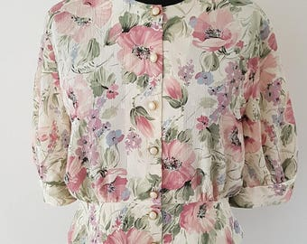 Pretty vintage peplum blouse | Cream & pink florals | Pearl/gold effect buttons | Size 14