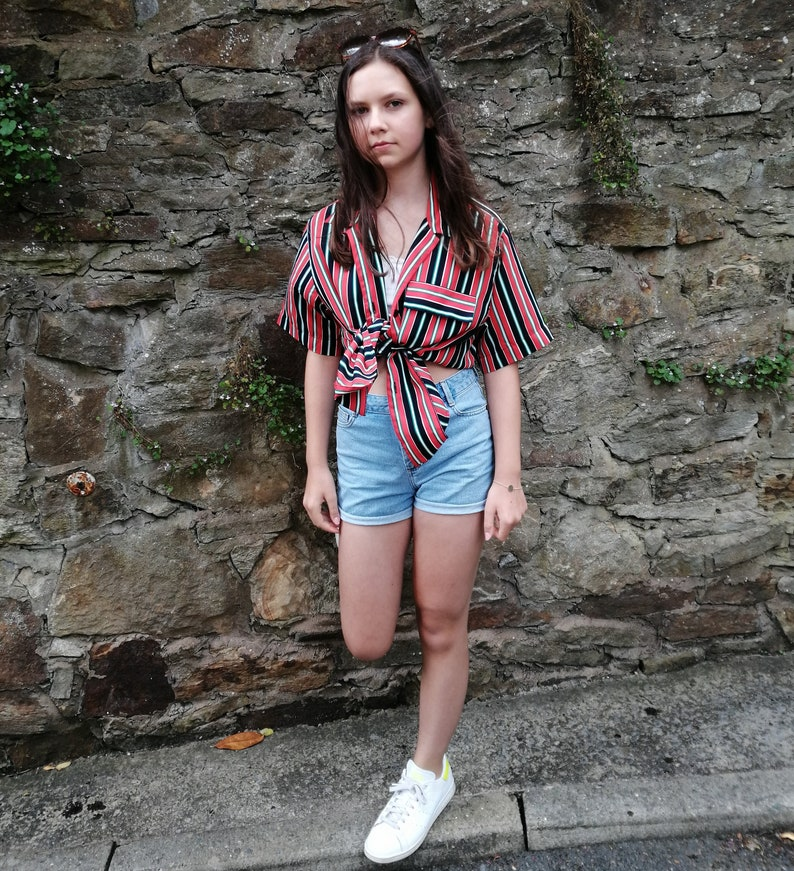 UK Size 12-14 Black /& White stripe print Red Vintage Aquascutum ladies shirt