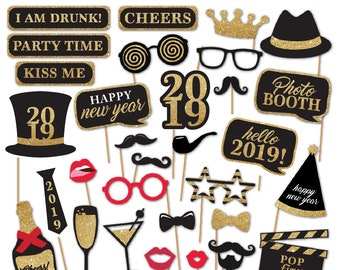 321fc30619a2 Printable 2019 New Year s Eve Photobooth Props - Black   Gold Glitter Photo Booth  Props - pop fizz clink Party Props - Instant Download