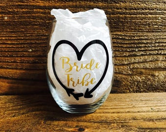 Bridal party wine glasses / Bride Tribe / Maid of Honor / Bridesmaid / wedding / bridal party / bride to be / stemless wine glass