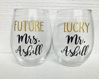 Personalized Future Mrs. and Lucky Mr. wine glass set / Bride to be / wedding / bridal gift / stemless wine glass/ engaged / engagement gift
