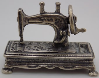 Vintage Solid Sterling Silver 925 Italian Made Sewing Machine Miniature, Stamped