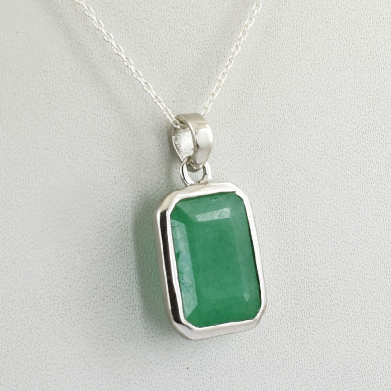 Wear This Natural Emerald,Panna Astrological Pendant For Strengthening Mercury,Enhancing Your Intelligence And Career Growth
