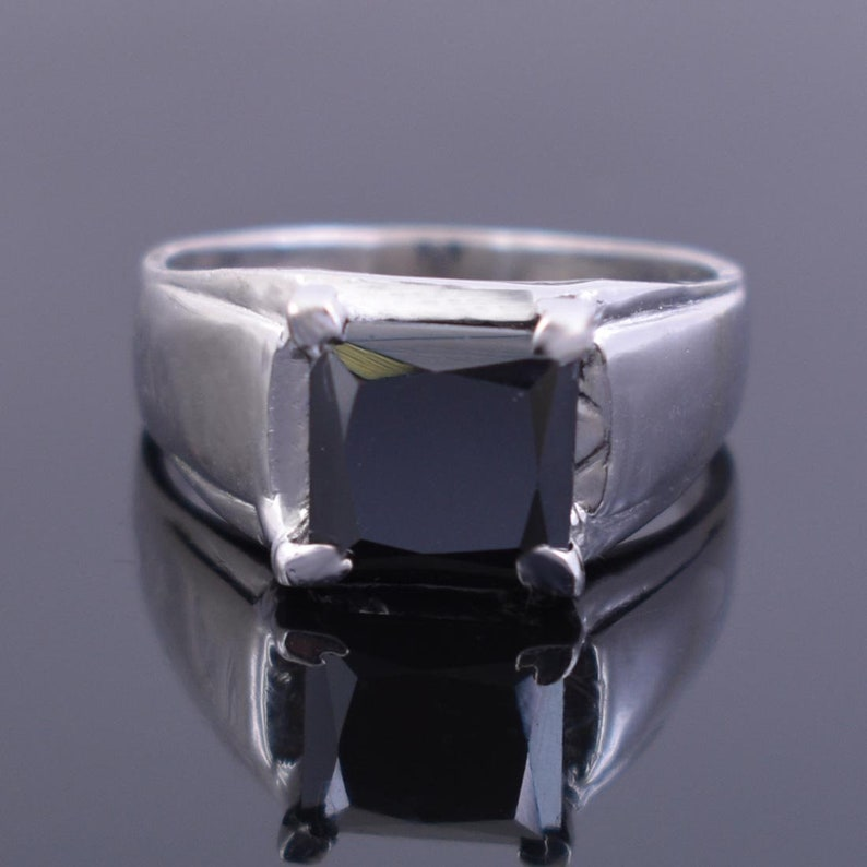 2ct Princess Cut Black Diamond Solitaire Ring in White Gold,Ideal Promise Ring,Engagement Ring,Wedding Ring,Custom Ring Size