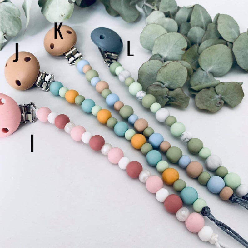 safety standards certified lots of colours baby boy Dummy chain soother holder- silicone baby girl pacifier clip gender neutral