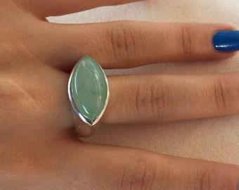 Green jade Ring, Green jade Gemstone, Jade Silver Ring, Jade stone Ring, Ring size 8, Silver jade Ring, Green Ring, Oval jade ring,