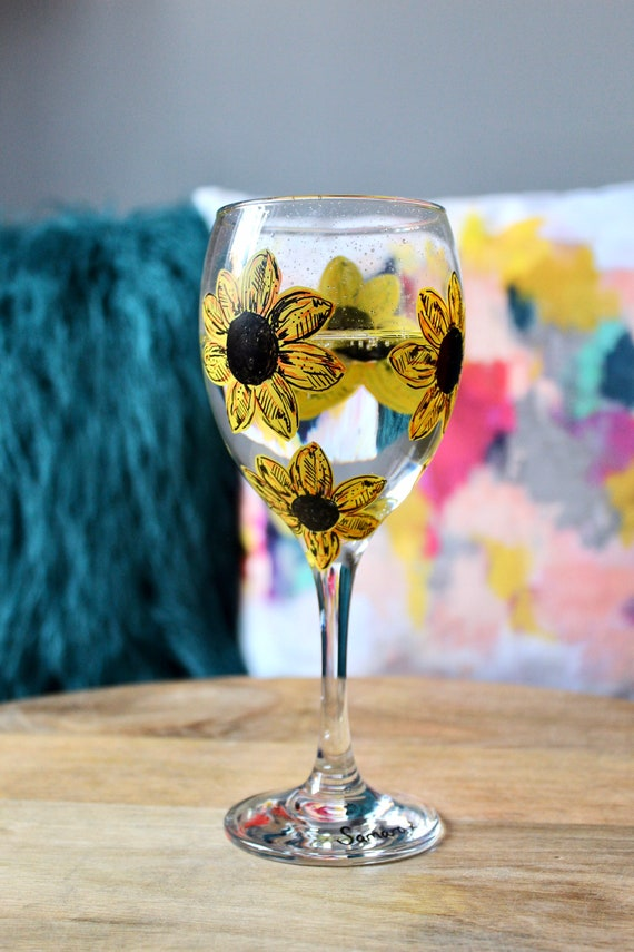 Sunflower Hand Painted Wine Glass / For her / Birthday Gift/ Bridesmaid Present /Gift for Wine Lovers / Wedding Gift / Unique Gift