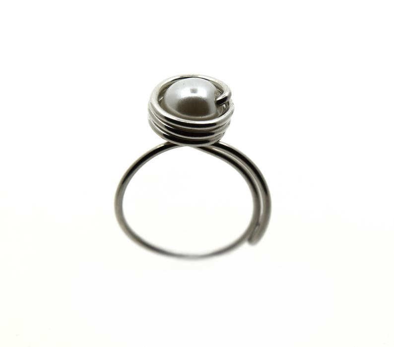 Aluminum decorated with a pearl bead adjustable ring light image 0