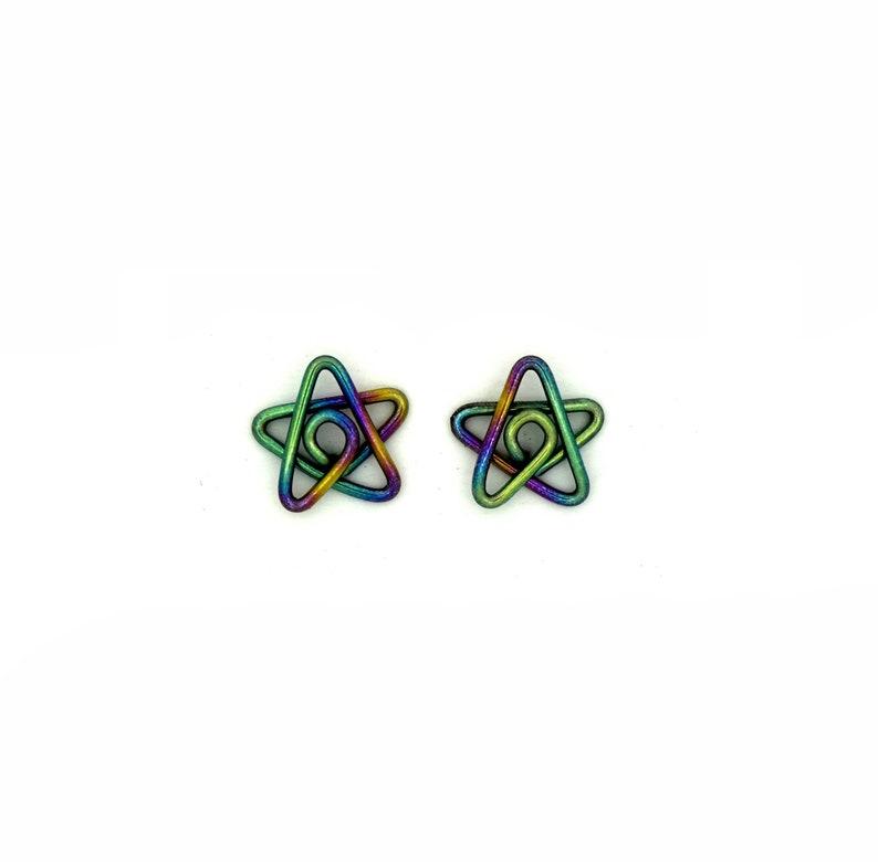 Niobium small star studs earrings image 0