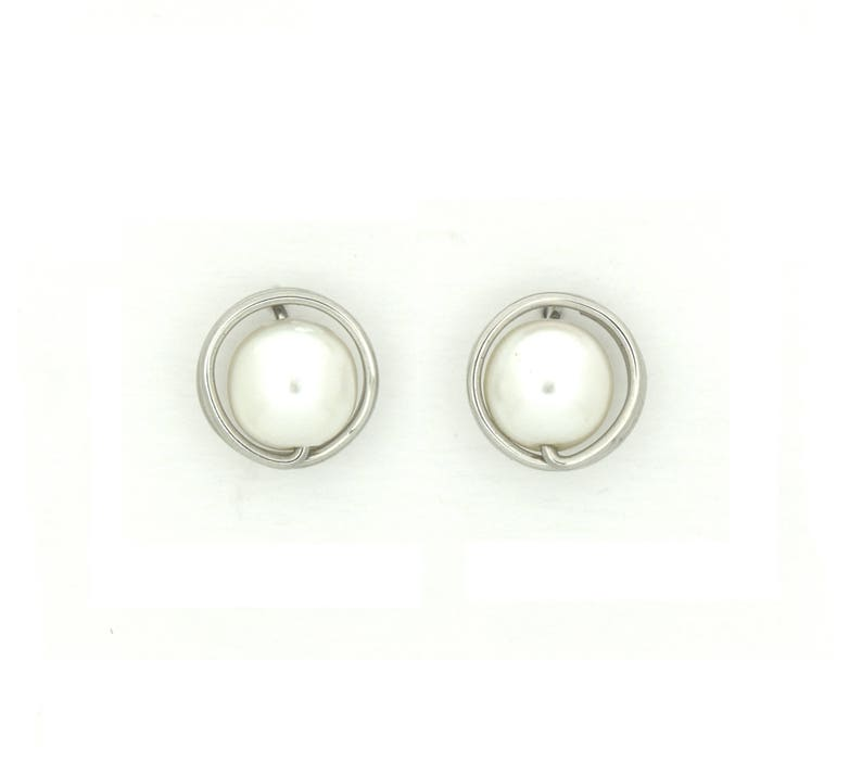 Large round mother of pearl studs earrings light weight image 0