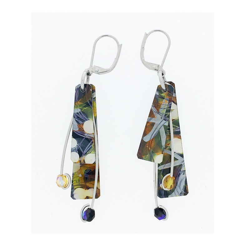 Anodized aluminum sheet and wire reversible earrings with image 0