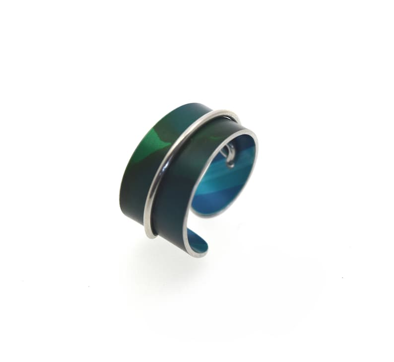 Adjustable anodized aluminum ring with decorative wire blue image 0
