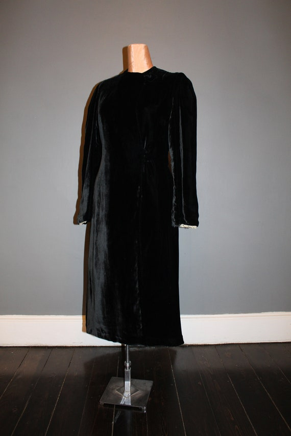 1930s Black Silk Velvet Maxi Coat - image 2