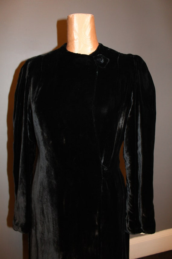 1930s Black Silk Velvet Maxi Coat - image 3