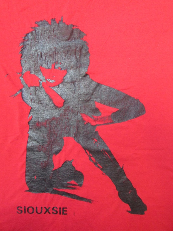 Siouxsie and the Banshees - Red Vintage Tshirt