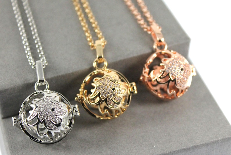 Urn Locket Sparkles Zodiac Leo Locket with Fillable Glass Orb Cremation Jewelry Cremation necklace Memorial Jewellery Memorial Locket