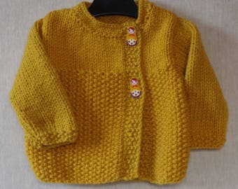 Crossover jacket in mustard yellow wool, hand knit, sweater, cardigan, french wool, baby, girl, Bébé Nuage (Baby Cloud)