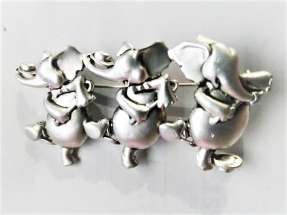 Cane Dance like Fred Astaire Danecraft Trio of Dancing Elephants Silver Plated Pewter Brooch Pin Vintage Like New
