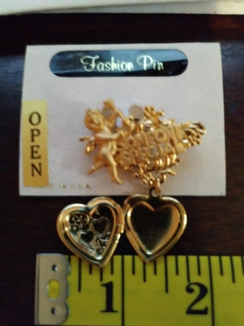 AJC Cupid Someone Special Locket Brooch Pin Gold Plated New Vintage on Card Made in USA Angel Gift American Jewelry Chain Company